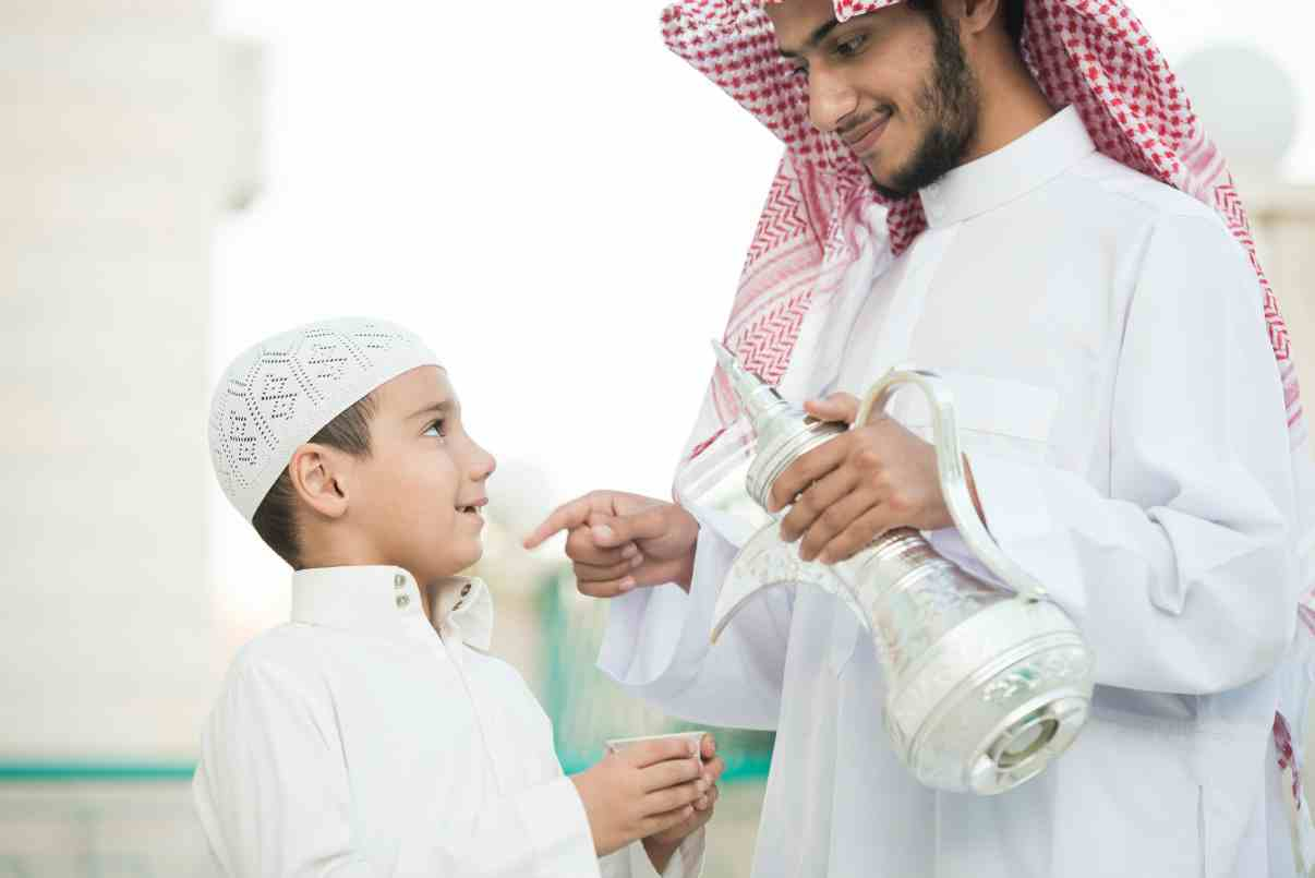 Father-teaching-son-the-traditions-of-pr