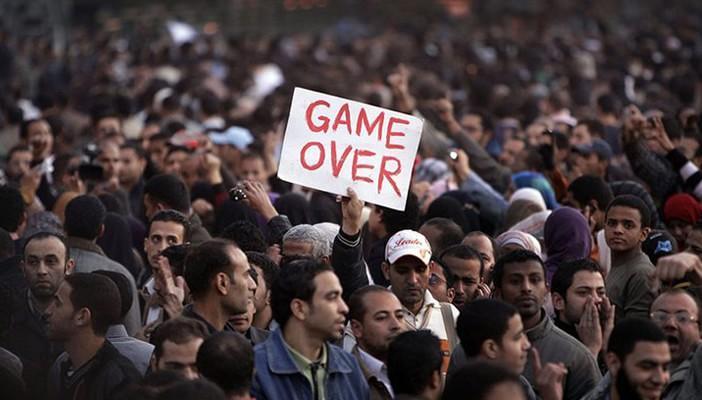 نادر فرجاني يتوقع ثورة شعبية تطيح بتحالف العسكر والأرستقراطية