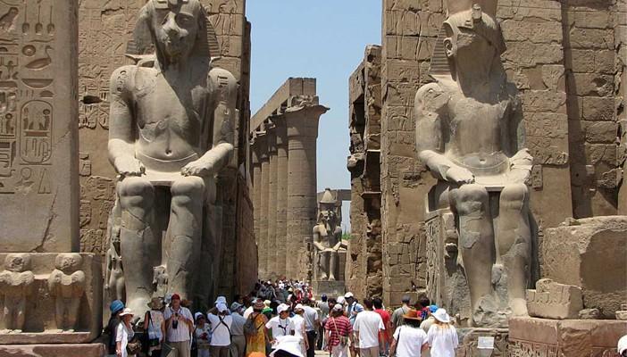 السياحة: نستهدف الوصول إلى 20 مليون سائح بنهاية 2015