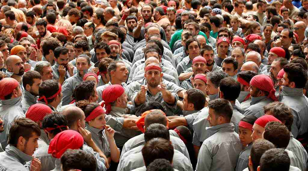 ss-161002-spain-human-towers-jpo-01_68ae