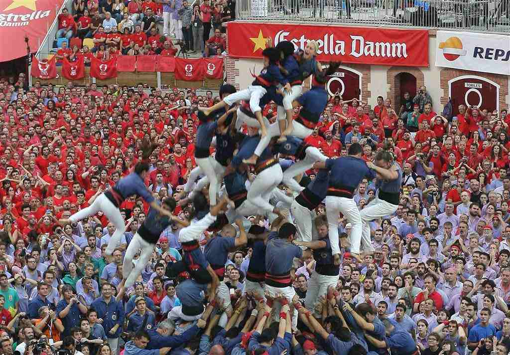 ss-161002-spain-human-towers-jpo-06_68ae